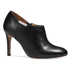 Coach Seneca Black Glazed Leather Bootie Size 7.5
